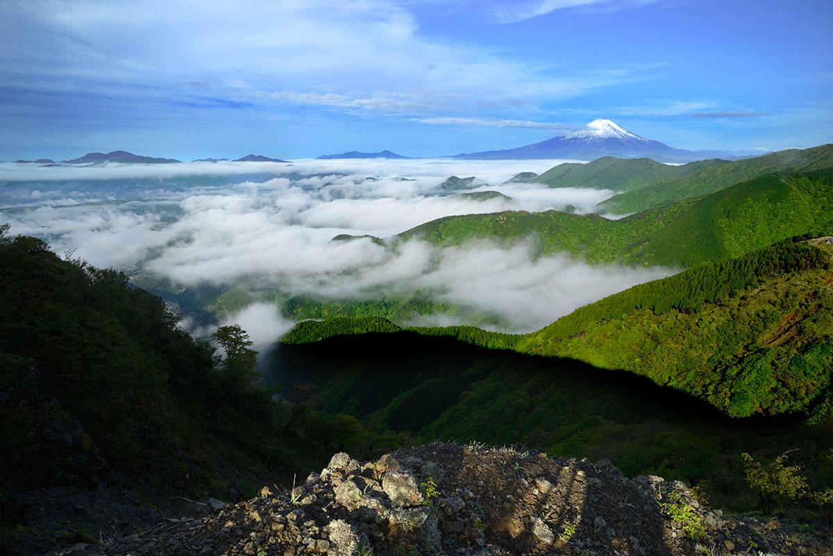 三ノ塔山頂から富士山展望
